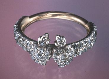 IMG - glossary - main - gimmel ring - 22785 368x268